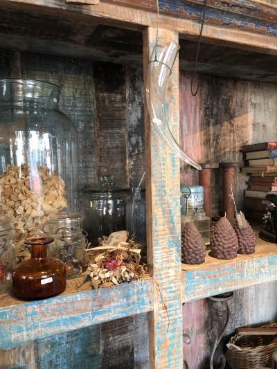フルールサンク・フラワーショップイビの松ぼっくりのキャンドルの画像